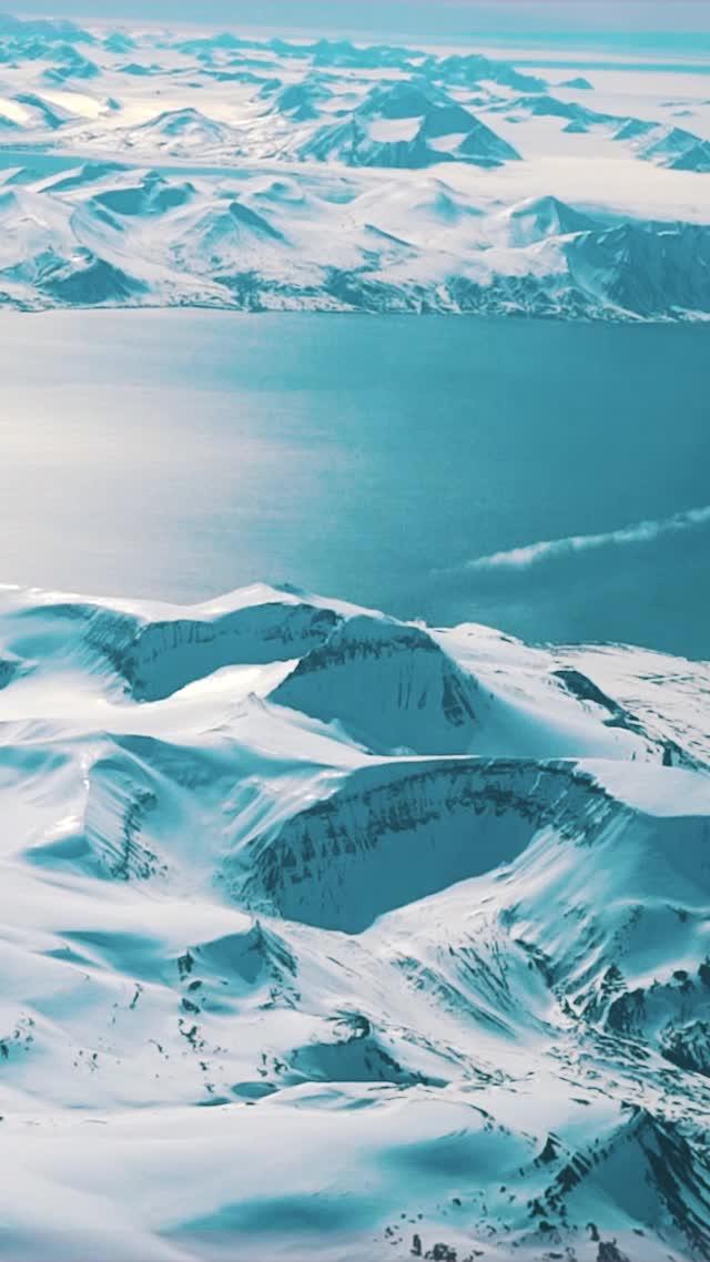 The Arctic   Borders